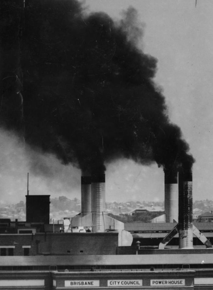 statelibqld_1_112164_smoke_pours_from_the_new_farm_power_house2c_1952